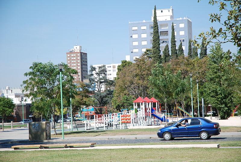 ciudad-argentina-junin-buenos-aires-provincia-centro-comercial