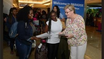 Distribuyen códigos de conducta a spring breakers en Cancún, Q. Roo