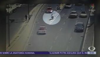 Detienen a ciclista en carriles centrales del Viaducto Miguel Alemán, CDMX