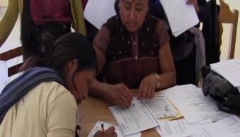 Mujer tzotzil promueve la educación para adultos en Chiapas