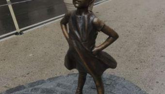 Escultura de 'La niña sin miedo' seguirá en Wall Street. (Noticieros Televisa)