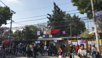 Estudiantes de la preparatoria 5 protestan por presunto acoso