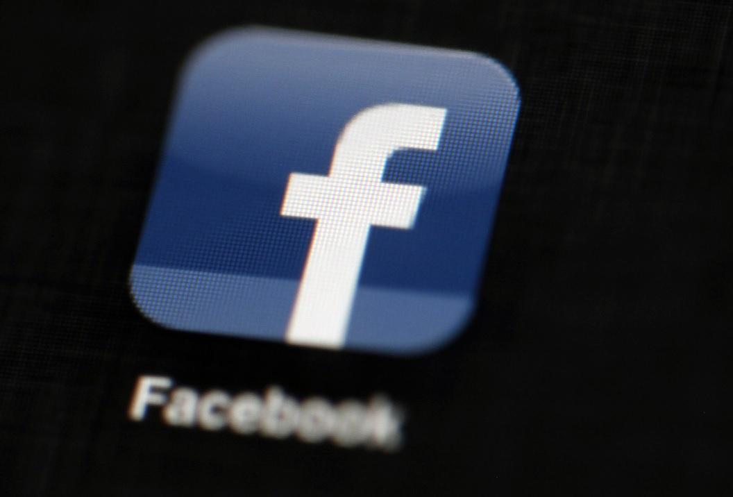 Facebook suspende empresa de Trump por robar datos