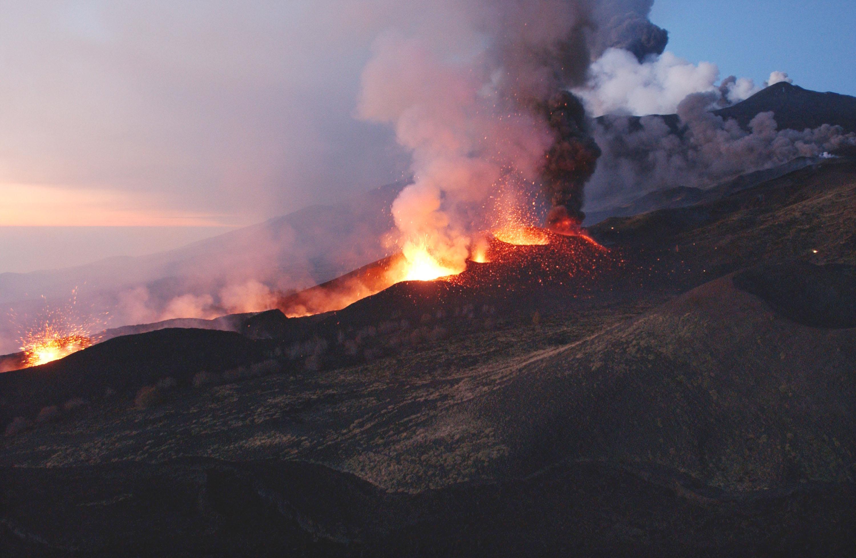 Un volcán que se desliza hacia el mar podría generar catastróficos tsunamis