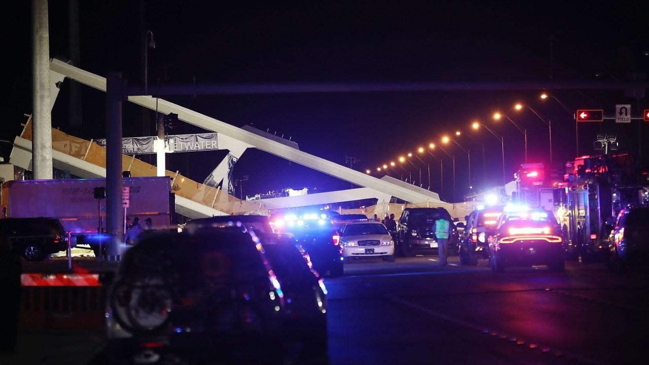 suman seis muertos colapso puente miami