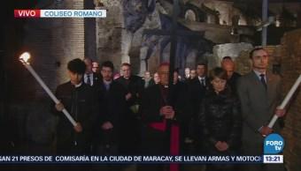 Inicia viacrucis en el Coliseo de Roma