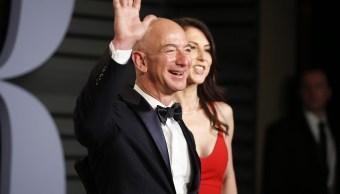 Forbes: Jeff Bezos, el hombre más rico del mundo con 112 mdd