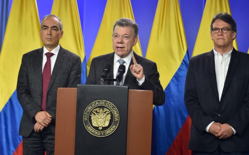 de Colombia ordena reanudar negociación de paz con ELN