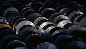 Lagarde advierte que guerra comercial sofocará crecimiento mundial