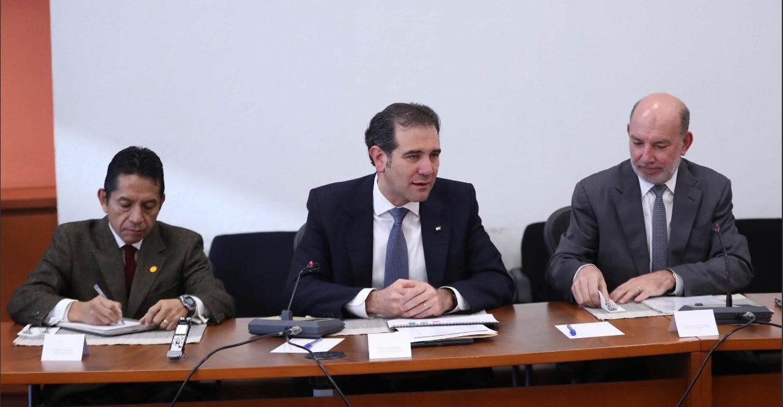 Rodríguez Calderón confía en recibir del INE constancia de candidato