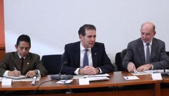 Lorenzo Córdova llama a actores políticos a cumplir con la ley