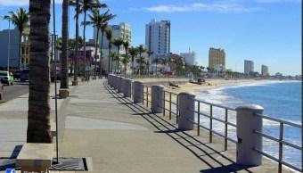 Prohibirán consumo de alcohol en malecón de Mazatlán durante vacaciones