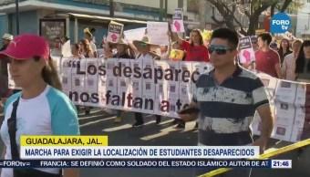 Marchan en Guadalajara para exigir localización de estudiantes desaparecidos