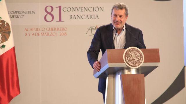 Banca reitera compromiso con México en convención con fuerte acento electoral