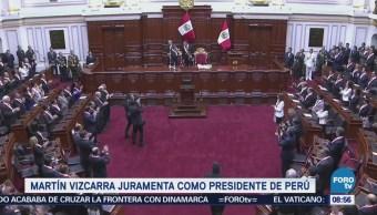 Martín Vizcarra juramenta como presidente de Perú