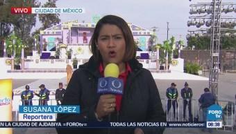 Nazarenos Recorren Calles Cargando Cruz Madera Iztapalapa