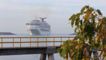 Mazatlán recibe crucero con 3 mil pasajeros que reactivan economía local