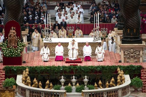 En misa Crismal, el papa Francisco pide a curas que sean cercanos