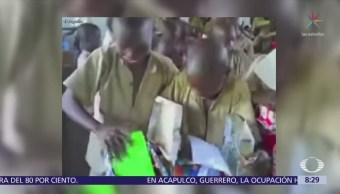Niños burundi y el emotivo momento cuando reciben juguetes