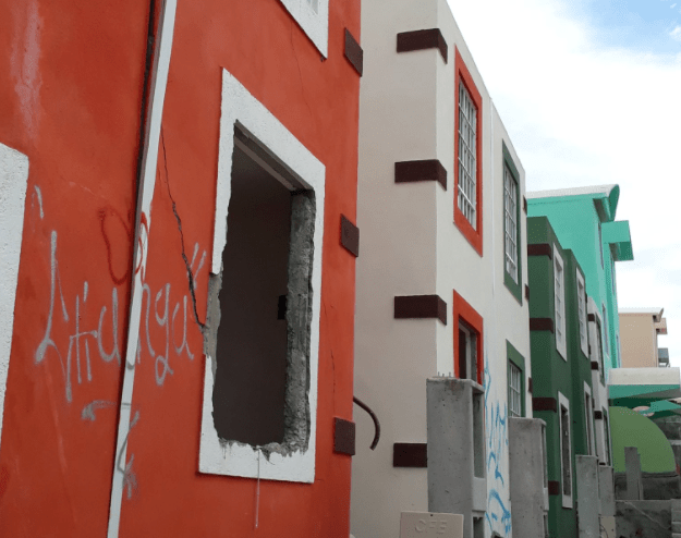 Damnificados de huracanes en Guerrero habitan viviendas en riesgo de colapso