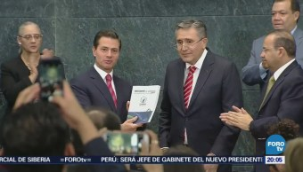 Peña Nieto recibe informe 2017 de la CNDH