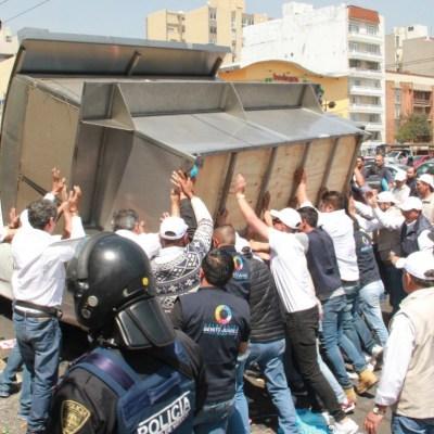 Se registra enfrentamiento por retiro de ambulantes en la delegación Benito Juárez