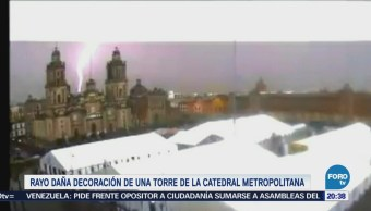 Rayo daña una torre de la Catedral Metropolitana