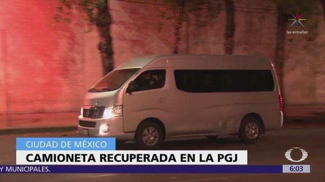 Recuperan camioneta robada en la CDMX; hay un detenido
