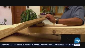 Retratos de México: Carpintero que elabora la cruz del Cristo en Iztapalapa