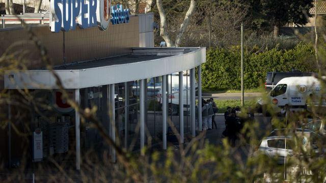 Condenan a vegana por celebrar muerte de carnicero en atentado de Francia