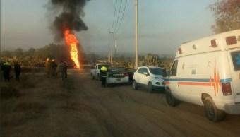 Se incendia toma clandestina en Axapusco, Edomex