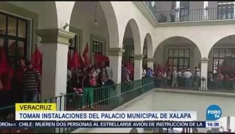 Toman instalaciones del palacio municipal de Xalapa