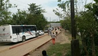 Tren se descarrila en Moloacán, Veracruz