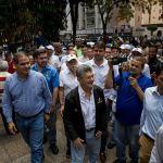 Frente opositor venezolano realiza asambleas de calle en rechazo a comicios