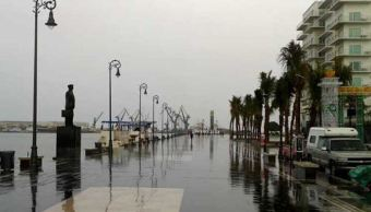 Lluvia y viento del norte afecta la zona costera de Veracruz