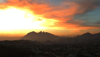 Evacuan a mil 200 personas en cine de Monterrey por falsa alarma