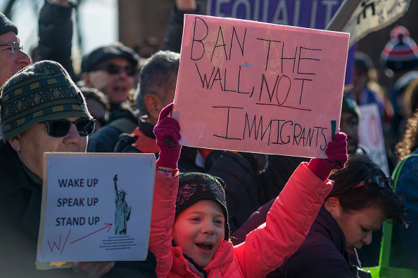 Tribunal Supremo de EU limita deportaciones de inmigrantes con antecedentes