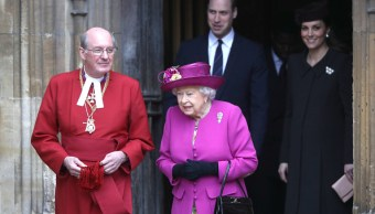 Isabel II y su familia conmemoran el domingo de Pascua en Windsor