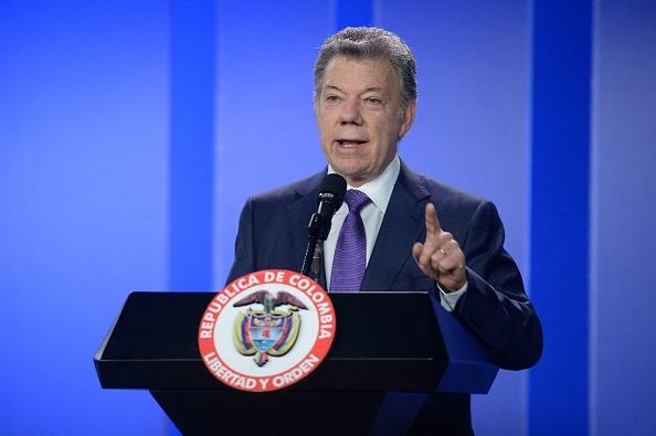 Santos condena asesinato de periodistas ecuatorianos y ofrece su colaboración