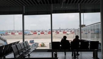 Vuelos cancelados y retrasados por corte eléctrico en aeropuerto de Amsterdam