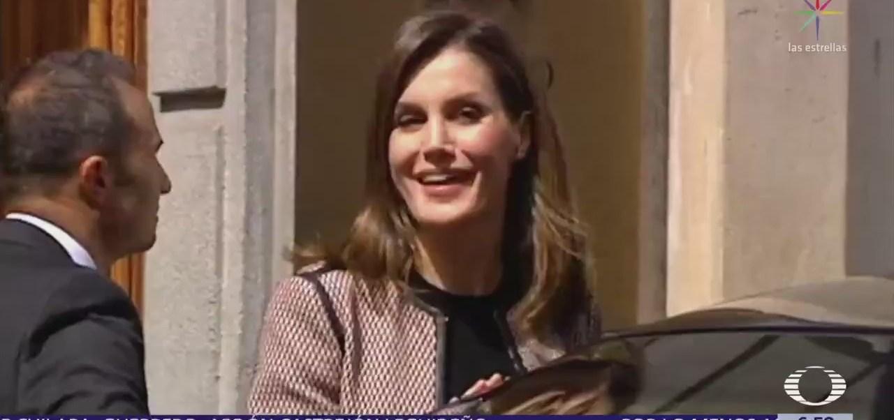 Abuchean a la reina Letizia tras desencuentro con su suegra