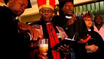Iglesia-Gabola-Bebidas-Alcohólicas-Emborracharse-Sudáfrica