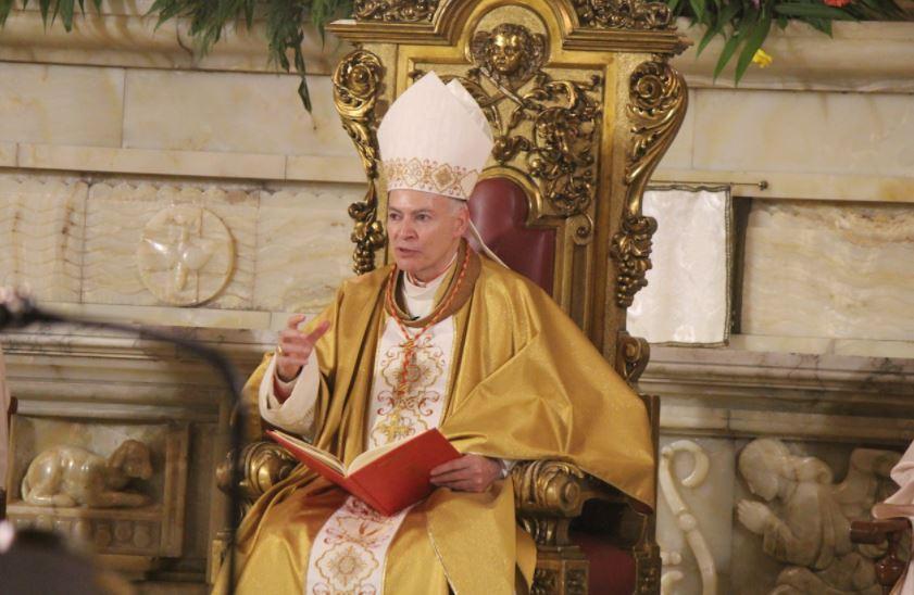 Aguiar Retes celebra misa del Fuego Nuevo del Sábado Santo