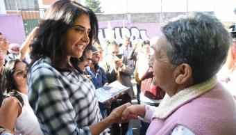 Alejandra Barrales hace campaña en Iztacalco y Magdalena Contreras