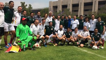 Gana México a Alemania con partido de futbol en la Cámara de Diputados