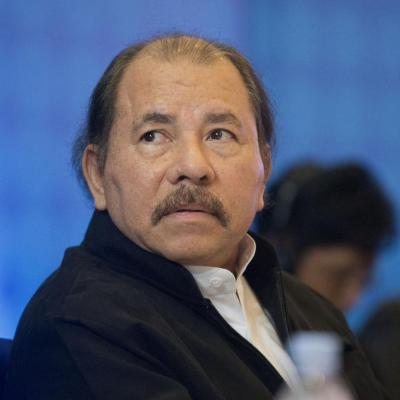 Presidente de Nicaragua cancela reforma que detonó violentas protestas
