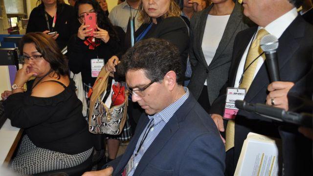 Ríos Piter acusa al INE de impedir el derecho de audiencia