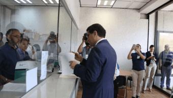 Ríos Piter denuncia a autoridades del INE