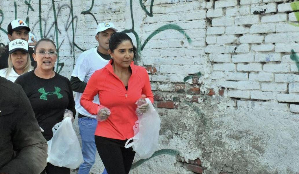 Barrales participa en una carrera en la delegación Venustiano Carranza
