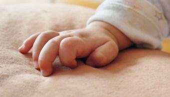 bebe-abandonado-drenaje-sobrevive-gracias-medicos